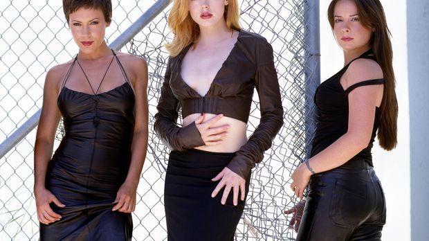(6. Staffel) - Ein zauberhaftes Team: Phoebe (Alyssa Milano, l.), Piper (Holl...