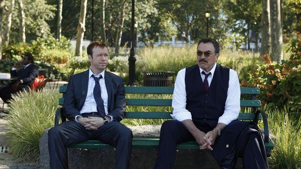 Zu gerne würde Frank (Tom Selleck, r.) seinem Sohn Danny (Donnie Wahlberg, l....