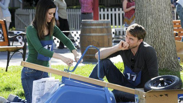 Sie sind zwar ein Team, aber zusammenarbeiten können Zoe (Rachel Bilson, l.)...