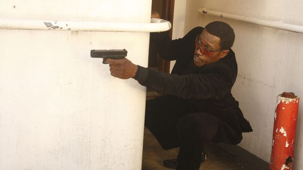 Versucht alles, um eine Verschwörung und ein Attentat aufzuklären: Agent Neil...