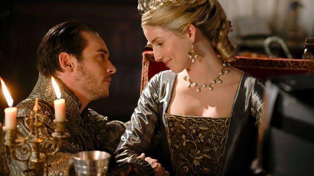Jane (Annabelle Wallis, r.) hat eine freudige Nachricht für Henry (Jonathan R...