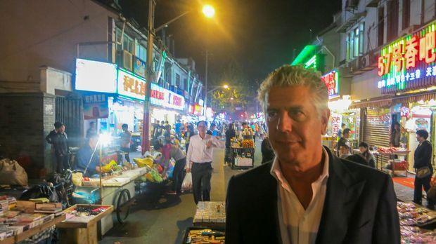 Ein neues kulinarisches Abenteuer wartet in Shanghai auf Anthony Bourdain ......