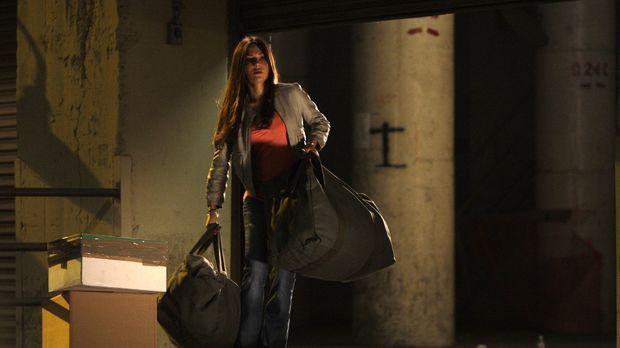 Kim (Vanessa Marcil) befindet sich auf der Flucht ... © Warner Bros. Entertai...