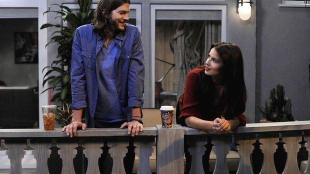 Während Walden (Ashton Kutcher, l.) sein Bestes tut, um Zoey (Sophie Winklema...