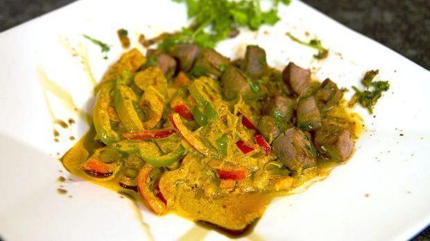 Lamm-Curry mit Joghurt-Masala