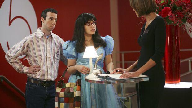 Betty (America Ferrera, M.) bekommt von Daniel den Auftrag, eine Hotelkritik...