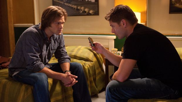 Für Dean (Jensen Ackles, r.) und Sam (Jared Padalecki, l.) ist es selbstverst...