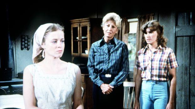 Wie ungebetene Gäste behandelt die junge Darcy Thatcher (Antoinette Stella, l...