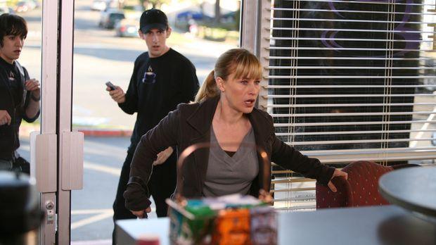 "Alison (Patricia Arquette, r.) hat die Scheibe des ""Coffee Palace"
