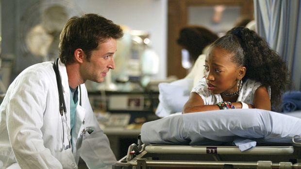Trotz aller Hektik versucht Dr. Carter (Noah Wyle), die drogensüchtige Kinder...