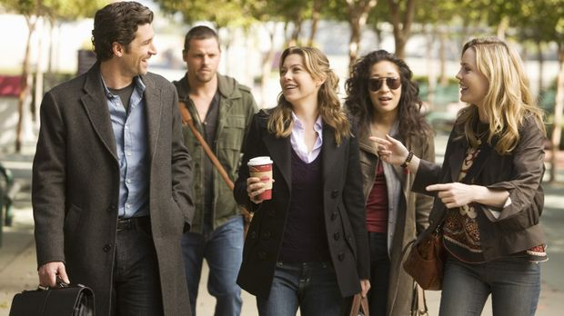 Auf dem Weg ins Krankenhaus erzählt Sadie (Melissa George, r.) einige Geschic...