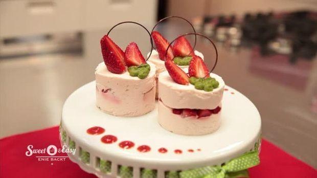 Erdbeer-Törtchen mit Basilikum