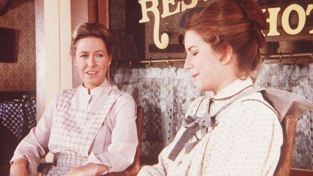 Caroline (Karen Grassle, l.) ermahnt ihre schwangere Tochter Laura (Melissa G...