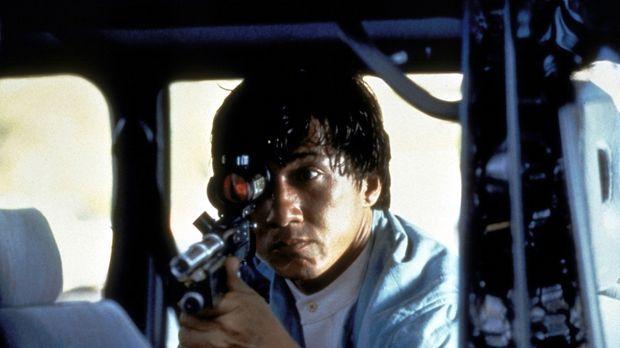Gnadenlos nimmt  Jackie (Jackie Chan) die hemmungslosen Verbrecher ins Visier...