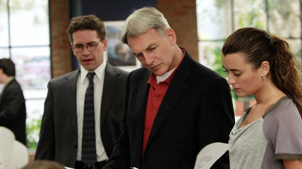 Ermitteln in einem neuen Fall: Gibbs (Mark Harmon, M.), Ziva (Cote de Pablo,...