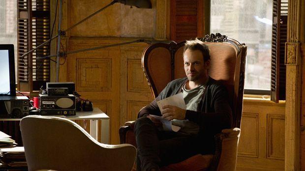 Versucht, einen neuen Fall zu lösen: Sherlock Holmes (Jonny Lee Miller) ... ©...
