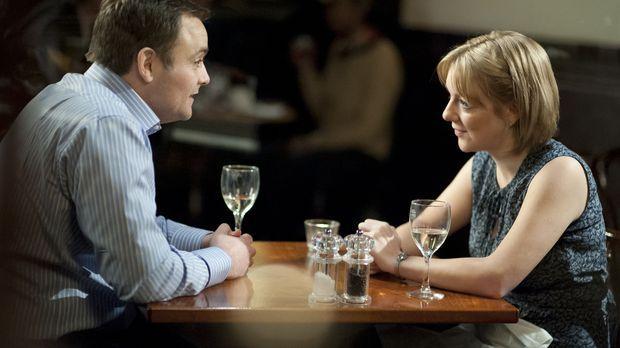 Bei ihrem ersten Date lernen sich Jenny (Sheridan Smith,r.) und Nick (Neil Ma...