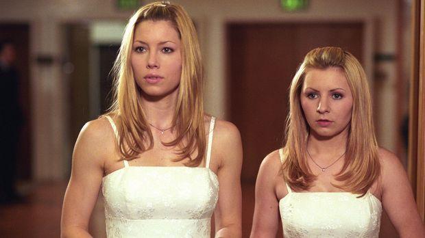 Während den Hochzeitvorbereitungen von Matt und Sarah, lernt Lucy (Beverley M...