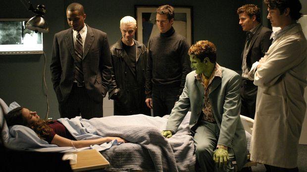 (v.l.n.r.) Fred (Amy Acker) wird langsam zum Wirtsorganismus für einen uralte...