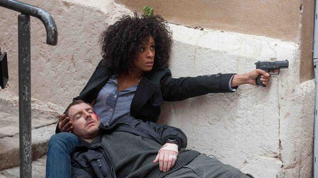 Trotz ihrer Sorge um Tommy (Richard Flood, l.) gelingt es Arabela (Lara Rossi...