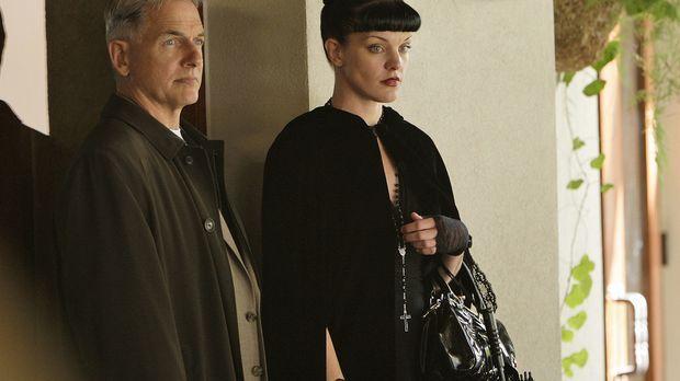 Während das FBI Abby (Pauley Perrette, r.) in ein Versuchslabor versetzt, um...