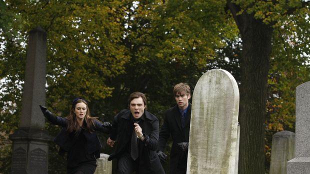 Die Beerdigung von Bart steht an und Chuck (Ed Westwick, M.) dreht völlig dur...