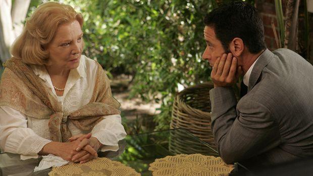 Bei seinen Ermittlungen stößt Don (Rob Morrow, r.) auf Erika Hellman (Gena Ro...