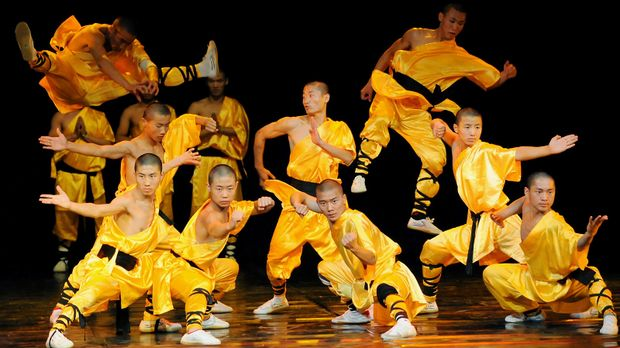Masters-of-Shaolin-Kung-Fu-08-09-28-AFP © AFP