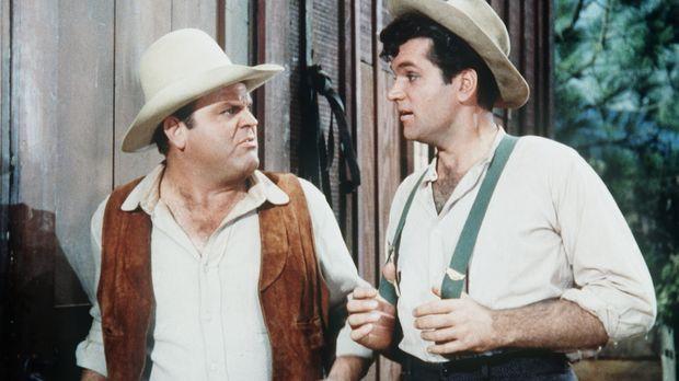 Cousin Muley Jones (Bruce Yarnell, r.) besucht Hoss (Dan Blocker, l.) und sei...