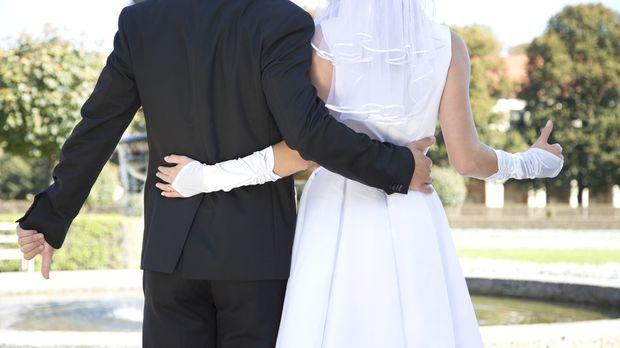 Die große Liebe oder eine unmögliche Partnerschaft? Acht Singles lassen sich...