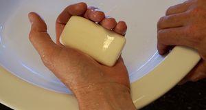 Händewäschen ist obligatorisch, damit Bakterien keine Chance haben.