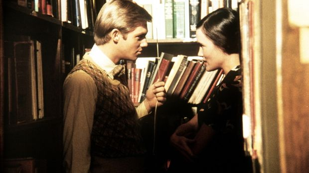 Im Auftrag seines Colleges soll John-Boy (Richard Thomas, l.) die junge Gastr...