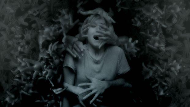 PULSE - DU BIST TOT, BEVOR DU STIRBST - Artwork - mit Kristen Bell © The Wein...
