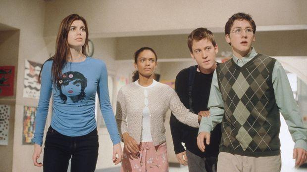 Danielle (Meghan Ory, l.), Brianna (Kandyse McClure, 2.v.l.), Cody (Jesse Cad...