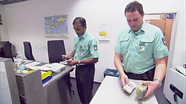 Achtung Kontrolle - Montag: Geldwäsche Am Flughafen