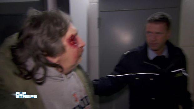 Auf Streife - Auf Streife - Zwei Männer Verprügeln Pfandsammler