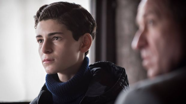 Gotham - Gotham - Staffel 2 Episode 18: Pinewood